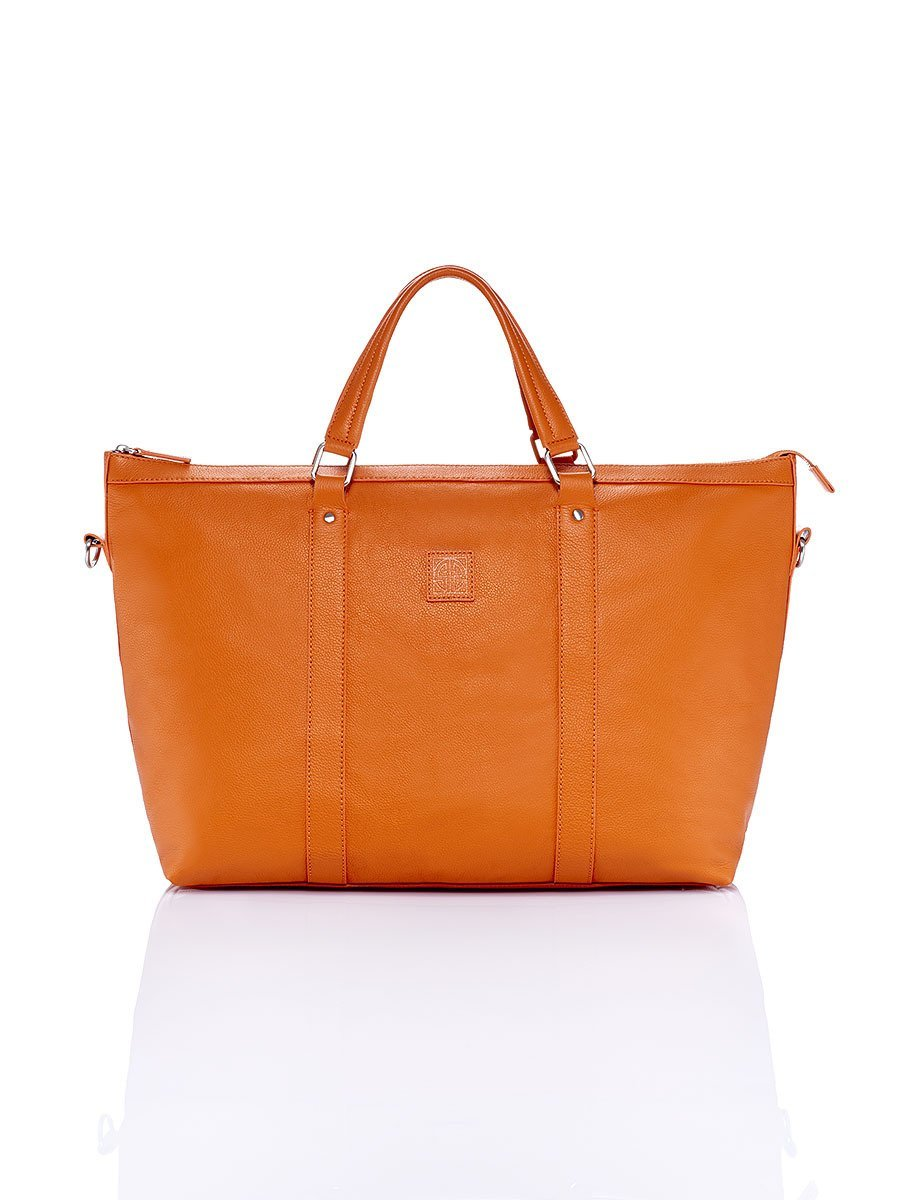 New Pebble Carryall Leather Bag